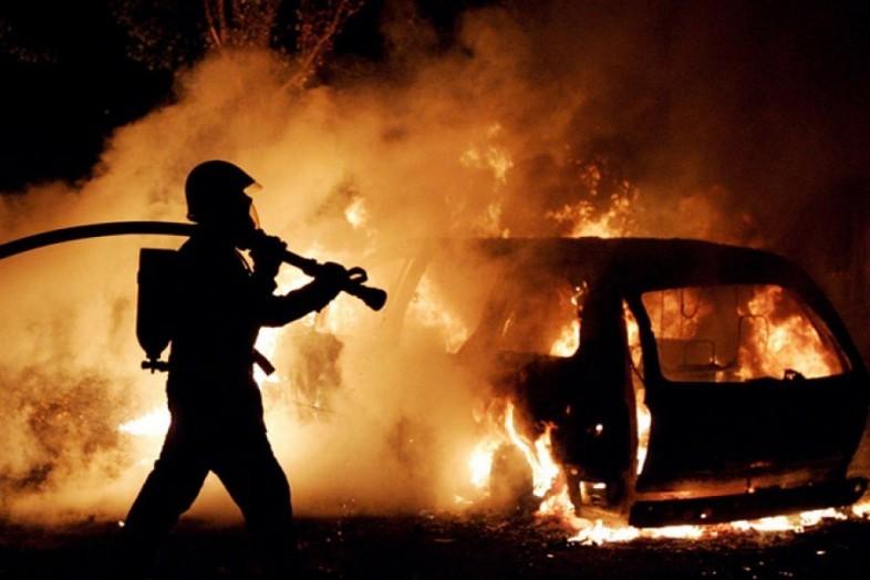 ВДзержинском районе Волгограда сгорела Газель: огонь перекинулся нафуру