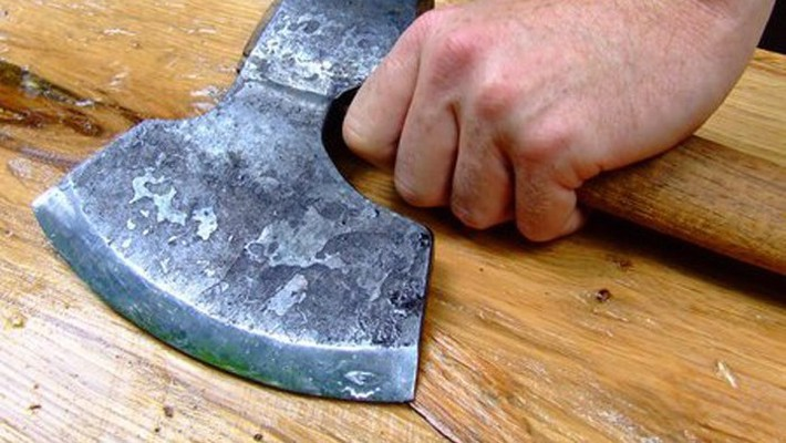Мужчина изРостовской области напал с тесаком наохранника храма вВолгограде